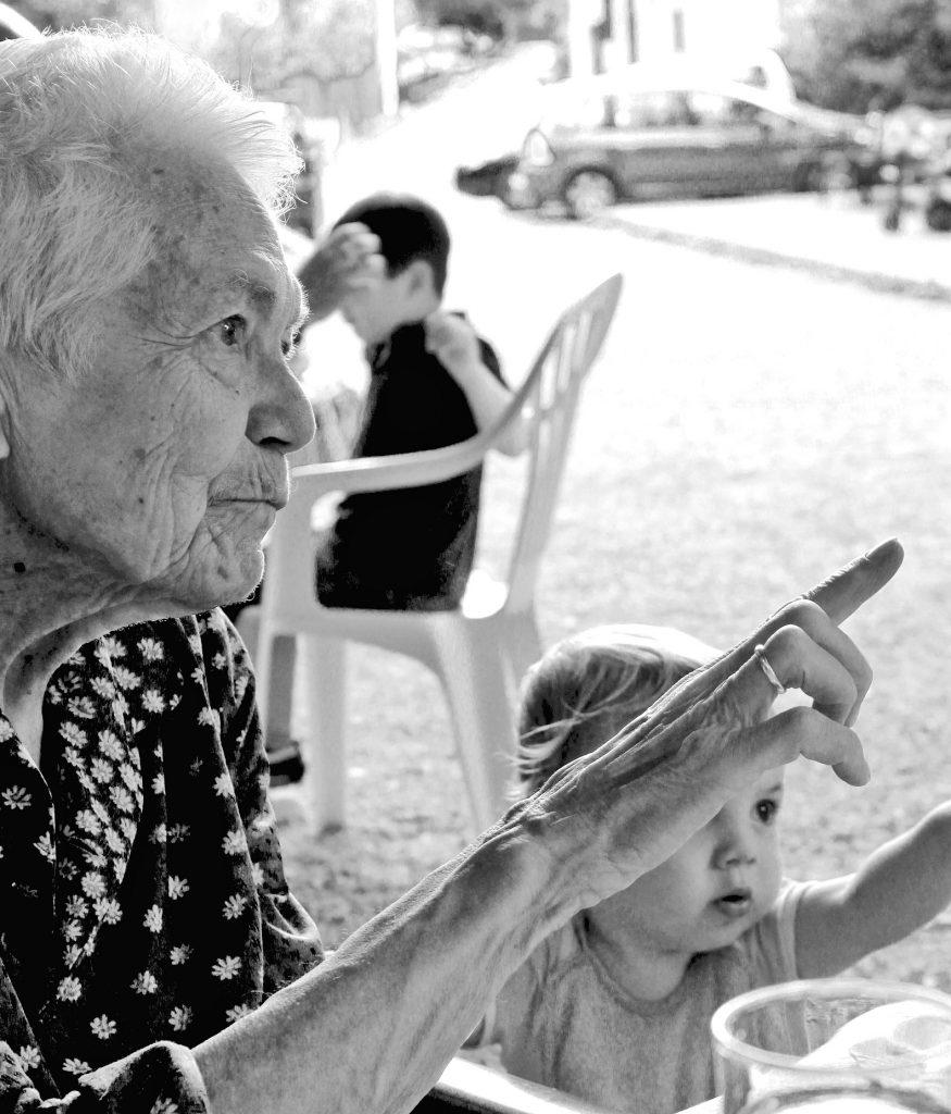 15 giugno: un convegno sulla lotta alla violenza verso gli anziani e una mostra fotografica